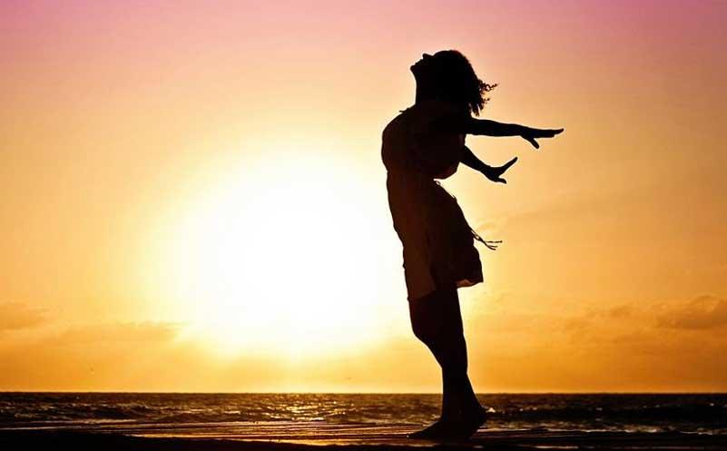 Girl looking free in the sun